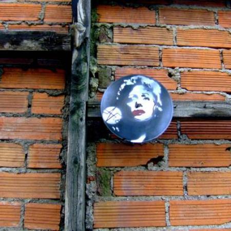 Edith Piaf - Canal de l'Ourcq, janvier 2009